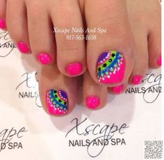 Cool summer pedicure nail art ideas 55