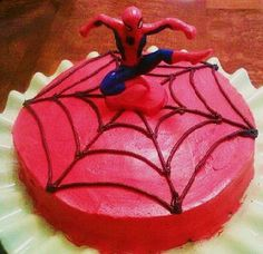 Easy Spiderman Cake @ christineiscooking.com