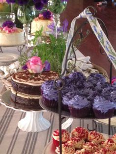 Beautiful Treats! #Isabellas #Cupakes #Cakes Places To Eat, Restaurants, Cupcakes, Treats, Table Decorations, Sweet, Desserts, Beautiful, Food