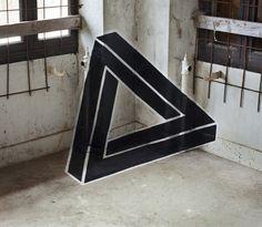 Impossible Geometry by Fanette Guilloud This young french & passionate artist released a couple of weeks ago the serie Geometrie de l'impossible. It's about mixing street art with abandoned buildings. 3d Street Art, Street Art Graffiti, Toulouse, Penrose Triangle, Tape Art, Colossal Art, Design Graphique, French Artists, Geometric Art