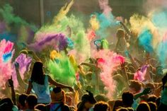 Holi festival : Colors all around