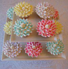 Chrysanthemum Cupcakes tutorial