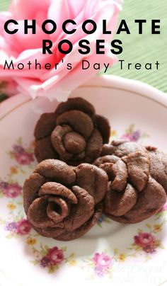 Rich Chocolate Roses Recipe perfect for mothers day! Have your kids help make these for Mom as a special treat! Each rose will be unique and special. #Chocolate #FrugalNavyWife #Cookies #desertrecipe