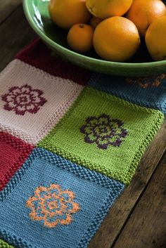 Knitting Pretty by M