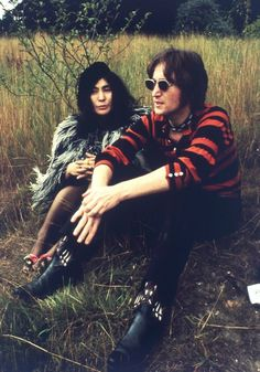they all think i have it all. im nothing without you.......BEAUTIFUL PIOCTURE OF JOHN AND YOKO.........R.I.P. JOHN
