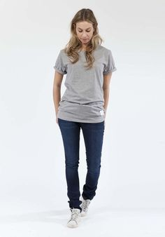 Diese Jeans besteht aus 98% GOTS zertifizierter Baumwolle. GOTS definiert hohe Umweltstandards entlang der gesamten Produktionskette.