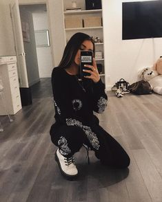 Photo shared by Madison Beer on June 2018 tagging Estilo Madison Beer, Madison Beer Style, Madison Beer Outfits, Instagram Pose, Instagram Outfits, Selfie Posen, Estilo Swag, Looks Style, Aesthetic Clothes