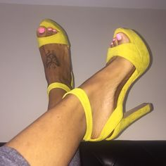 Yellow heels Cute heels that can be dressed up or down. Ask for additional pics if u need to. True seller, clean home. No original shoe box Charlotte Russe Shoes Heels