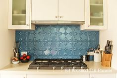 PressedTinPanels_Tulip_900x1800_KitchenSplashBack_WedgewoodBlue4