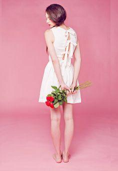 Make, buy, sell - custom fit fashion - Stanfordrow.com Pear Bottom, Pear Shaped Women, Bridesmaid Dresses, Wedding Dresses, Dress Making, Fitness Fashion, Flower Girl Dresses, How To Make, Stuff To Buy