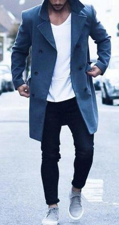 separation shoes e7194 ce1f3 Loving this high fashion 2018-2019 winter look for men. Blue coat with white