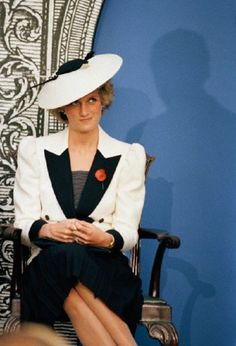 Diana, the Princess of Wales at the National Gallery of Art, in Washington on 10 Nov 1985