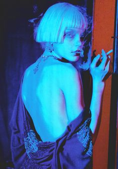 Jessica Stam by Peter Lindbergh///Vogue Italia April 2007 💙💜 beautiful but almost heroin chic 😒 Jessica Stam, Peter Lindbergh, Pretty People, Beautiful People, Arte Punk, The Wicked The Divine, Photographie Portrait Inspiration, Heroin Chic, Foto Fashion