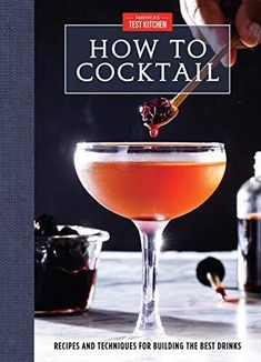 Classic Cocktails, Fun Cocktails, Fun Drinks, Cocktail Recipes, Whiskey Cocktails, Yummy Drinks, Beverages, Cocktail Book, Cocktail Making