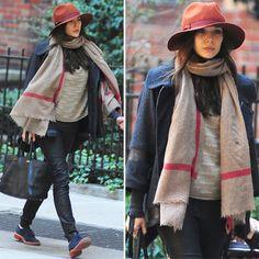 Elizabeth Olsen knows what stylish NYC street style is all about. @OlsenElizabeth #fashion
