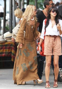 Rachel Zoe Photos - Celebrity stylist and reality star Rachel Zoe is seen shopping at Kima Zabete in Soho. - Rachel Zoe Shopping At Kima Zabete In New York Fall Outfits, Summer Outfits, Gypsy Style, My Style, Linen Shirt Dress, Advanced Style, Summer Chic, Rachel Zoe, Fashion Stylist