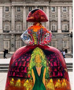 Meninas Madrid Gallery Spain And Portugal, Wooden Dolls, Public Art, Installation Art, Contemporary Artists, Creative Art, Cool Art, Art Projects, Street Art