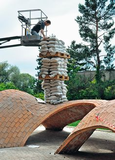 Catalan vault load test Catalan vault load test Catalan vault load test The post Catalan vault load test appeared first on Dress Models. Parametric Architecture, Brick Architecture, Sustainable Architecture, Architecture Details, Arch Building, Building Structure, Masonry Construction, Brick Works, Dome House
