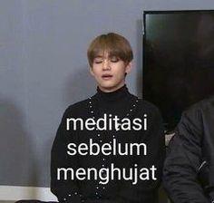 Bts Meme Faces, Memes Funny Faces, Funny Kpop Memes, Stupid Memes, Bts Memes, K Meme, Savage Quotes, Cartoon Jokes, Crazy People