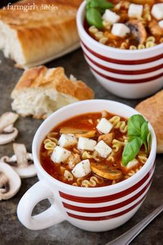 Slow Cooker Lasagna Soup with Chicken and Mushrooms from afarmgirlsdabbles.com