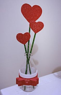 simple and creative valentines day decor ideas to inspire today page 21 Valentine's Day Crafts For Kids, Valentine Crafts For Kids, Valentines Day Decorations, Valentines Diy, Happy Valentines Day, Craft Stick Crafts, Diy And Crafts, Heart Crafts, Valentine's Day Diy