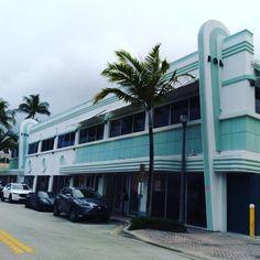 #Modern #Modernism #Minimalist #ArtDeco #StreamlineModern #CoolBuilding #Facade #Structure #561BUILD #ForensicEngineer #PalmBeach #FtLauderdale #Miami Delray Beach, Palm Beach, Forensics, Facade, Art Deco, Cool Stuff, Facades, Art Decor