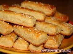 Bryndzové tyčinky Fingerfood Party, Party Finger Foods, Christmas Baking, Pretzel Bites, Hot Dog Buns, Ham, Food And Drink, Bread, Recipes