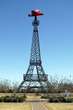 I was underwhelmed by #Paris, VA... but I think I might need to visit #Paris, TX ;-) #eiffeltower