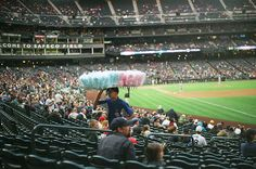 The floss guy at a #mariners game.  A++ would floss again. #DTUSA #35mm
