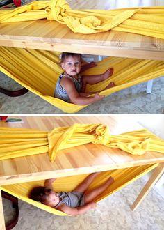 Cómo hacer una hamaca para niños con una mesa