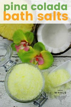 oil bath Tropical Pina Colada DIY Bath Salts - So Relaxing! If you& in love with tropical scents, these pina colada bath salts are a favorite! You can make these DIY bath salts with essential oils at home, so easy and they smell divine! Sugar Scrub Homemade, Sugar Scrub Recipe, Bath Recipes, Soap Recipes, Diy Bath Salts With Essential Oils, Bath Salts Recipe, Bath Tea, Kraut, Me Time