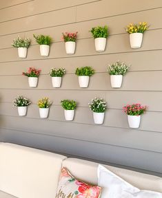 Plant Wall Decor, Flower Wall Decor, Before And After Diy, Faux Plants, Faux Flowers, Easy Projects, Decoration, Flower Pots, Planter Pots
