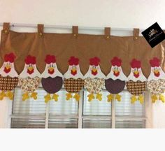 Adriana Dourado Kitchen Window Curtains, Valance Curtains, Cow Craft, Patchwork Curtains, Chicken Quilt, Sewing Projects, Patches, Card Making, Shabby