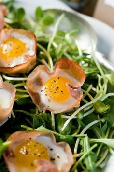 Baked Quail Eggs in Ham Cups