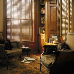 Classic library looks that last.  Parkland™ Reflections® Wood Blinds ♦ Hunter Douglas Window Treatments