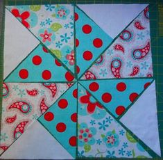 pinwheel tutorial and free PDF for quilt pattern by maureen.makes a cute baby quilt! Pinwheel Tutorial, Pinwheel Quilt Pattern, Quilt Block Patterns, Pattern Blocks, Quilt Blocks, Quilting Tutorials, Quilting Projects, Quilting Designs, Sewing Tutorials