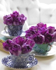 purple tablescape | tulips