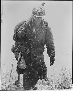 Korean War Pictures - Marine in the Snow