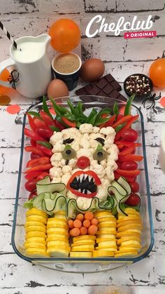 Votre soirée d'Halloween arrive plus tôt que vous ne le pensez et pour vous préparer au mieux pour cet événement, on vous propose 5 idées de recettes ultra simples et terrifiantes pour épater vos convives ! Et pour encore plus d'idées de recettes pour Halloween, rendez-vous sur chefclub.tv !