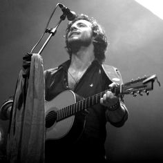 "Jack Savoretti wears Brooksfied on stage during his European Tour ""written in scars"""