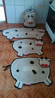 Crochet Kitchen Rug: Sets of Rugs and Walkthroughs Crochet Cow, Cute Crochet, Crochet Animals, Crochet Crafts, Easy Crochet, Crochet Projects, Crochet Bedspread Pattern, Crochet Patterns, Rope Rug