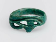 Eye of Horus finger ring. Egyptian, B. Greenish blue faience bezel ring with Eye of Horus (wedjat) in openwork. - Museum of Fine Arts, Boston, Massachusetts Ancient Egyptian Jewelry, Egyptian Art, Egyptian Costume, Long Pearl Necklaces, Eye Of Horus, Ancient Artifacts, Ring Finger, Jewelry Making Supplies, Archaeology