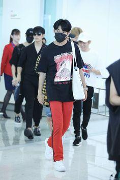 170813 SEVENTEEN airport <3 Mingyu