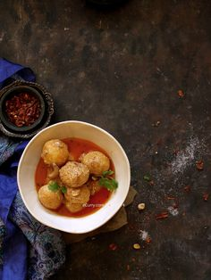 Kashmiri Dum Aloo: Baby Potatoes cooked in Fragrant Spices and Yogurt Sauce @FoodBlogs