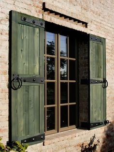 Make sure size of shutters are to cover Windows.Shutters that are tacked on the the siding without regard to the size of the window and without shutter hardware detract from an historic home. Use beautiful real shutter hardware to mount your shutters! Window Shutters Exterior, Outdoor Shutters, Rustic Shutters, Green Shutters, Pallet Shutters, Country Shutters, Metal Shutters, Farmhouse Shutters, Inside Shutters For Windows
