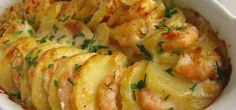 Portuguese Shrimp & Potato Gratin Recipe - Portuguese Recipes - Food Recipes from Portugal Potato Gratin Recipe, Potato Recipes, Fish Recipes, Seafood Recipes, New Recipes, Cooking Recipes, Favorite Recipes, Shrimp Potatoes Recipe, Potatoe Gratin