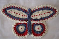 ohhhh.... butterfly! Free potholder pattern on Ravelry.