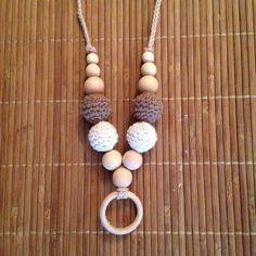 Collar 4 Bolas Marrón y Beige -  nursing necklace - breastfeeding necklace - teething necklace  http://www.portakanguritos.com/portakanguritos/5254091/collar-lactancia-y-porteo-4bolas-%28ver-modelos%29.html