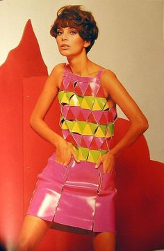 ca3c726650c79 Denisse Leighton wearing a dress by Paco Rabanne Los '60, 1960s Fashion,  Vintage