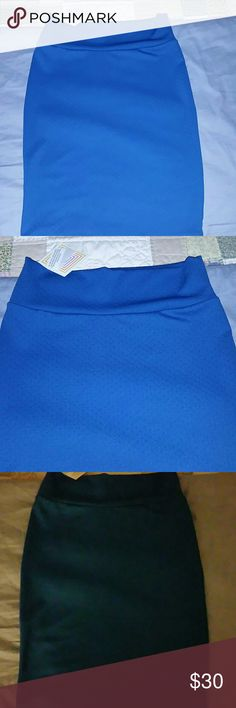 BNWT Lularoe Cassie Skirt BNWT Lularoe Cassie Skirt. Lovely Blue. I love this skirt and I'm sad it's small on me!! I'm actually now looking for this in a large! LuLaRoe Skirts